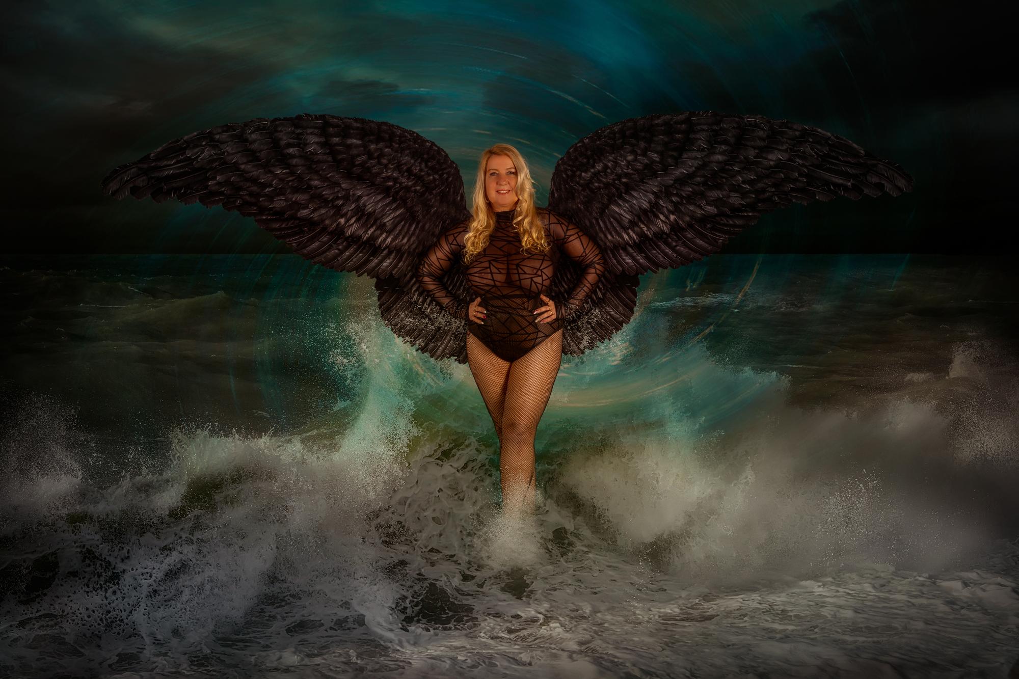 Cury Woman schwarzer Engel